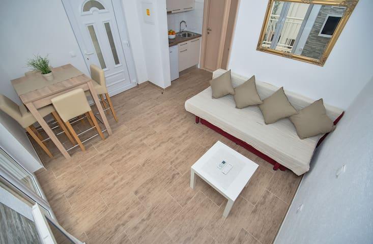 Cosy and modern apartment Zmaj - Makarska - Apartemen