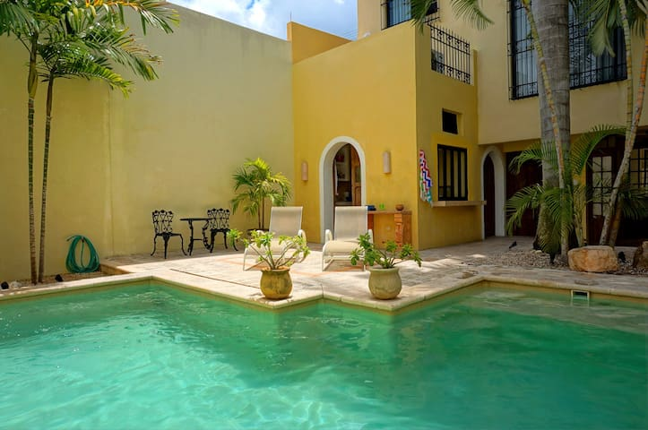 Pvt Rm in 165 yr Old Colonial #2 - Merida - Villa