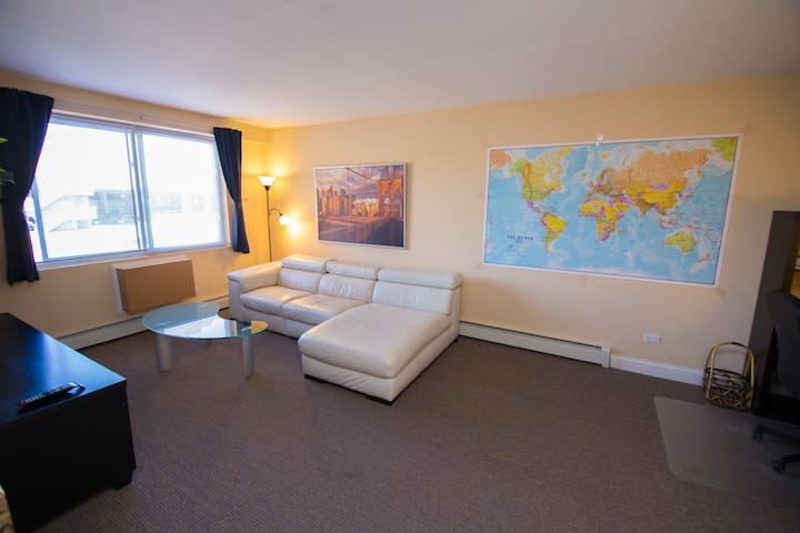Comfy modern 1BR near O'hare. Free parking. - Chicago