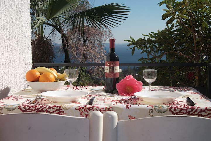 """""""Villa Cate""""-Monolocale Accogliente - Cresseglio di Arizzano - Leilighet"""