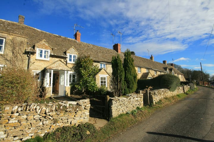 Brooklands Cottage, Chedworth - Chedworth