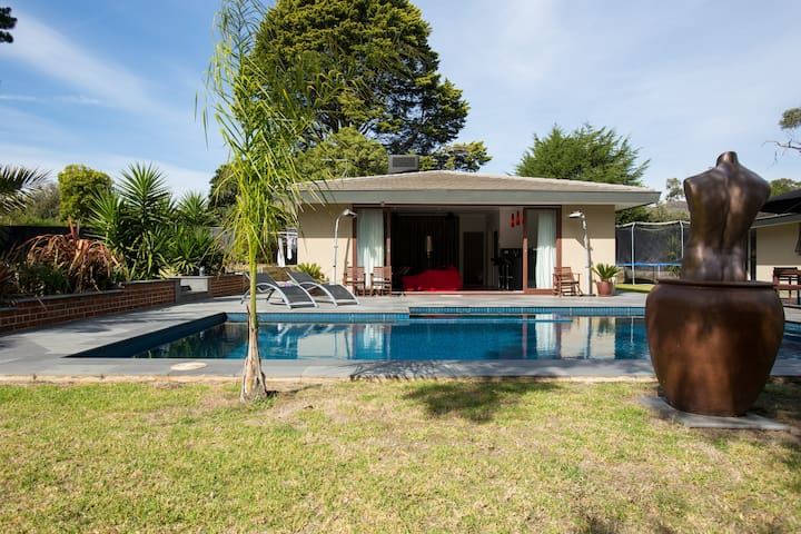 Pool House by the Bay - Frankston South - Bed & Breakfast
