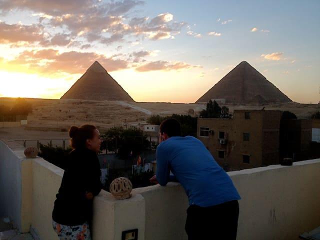 Single Room +Tour Services @ Pyramids Loft,Cairo - Giza - 獨棟