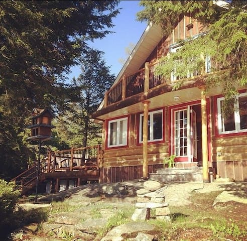 Rustic Log Cottage Waterfront View - Port Severn - Zomerhuis/Cottage