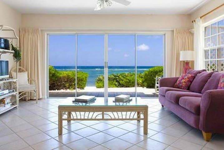 Gorgeous Sandy Beachfront Villa - Rum Point - Huvila