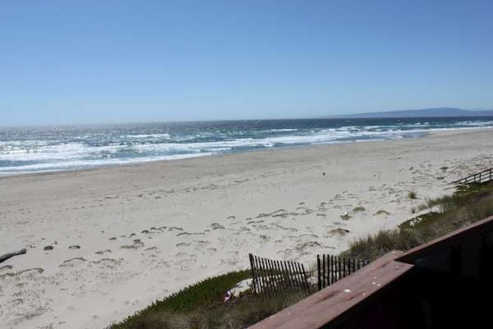 OCEAN FRONT  & ON BEACH(H72) - Watsonville