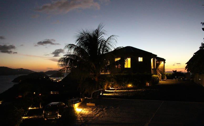 Casa Flamboyant: Where the sun sets - 托托拉島 - 獨棟