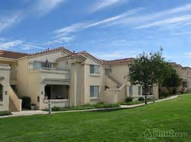 Thousand Oaks Furnished 2 bedroom - Thousand Oaks - Apartemen