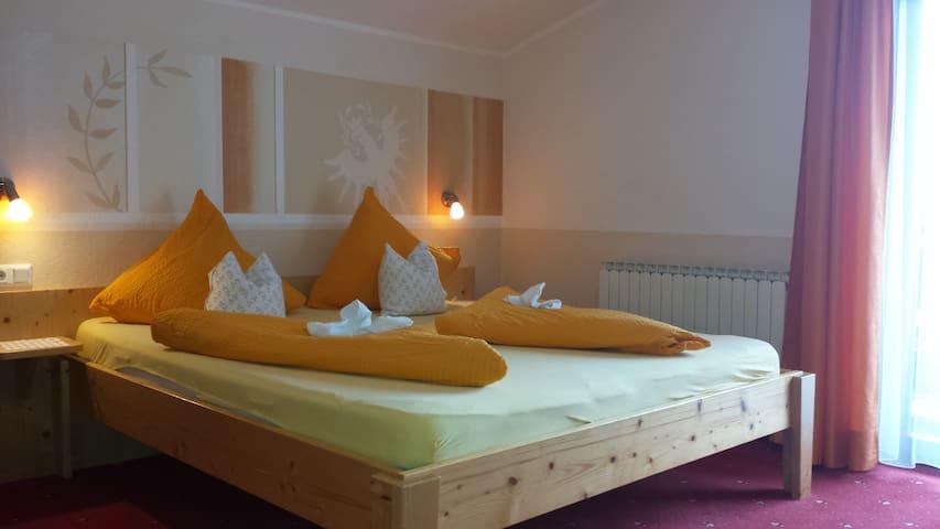 Gästehaus Fernblick Ferienwohnung Alpenglühn - Sautens - Lägenhet