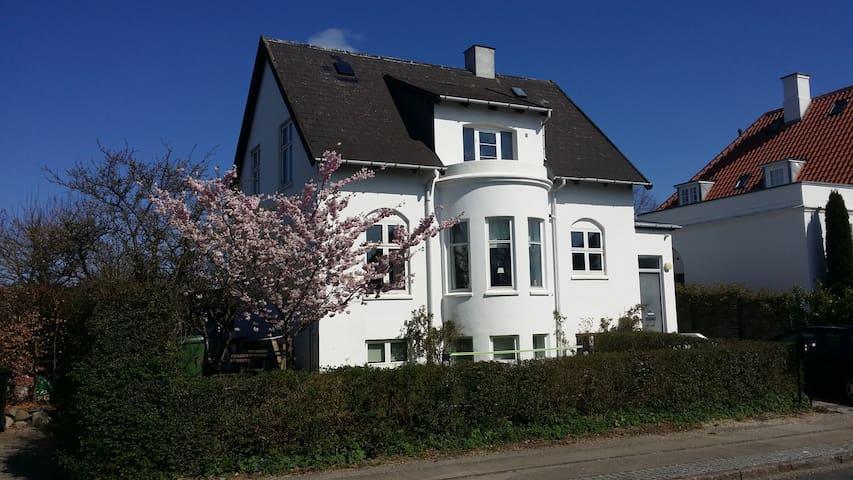 Family-friendly near Copenhagen - Charlottenlund - Hus