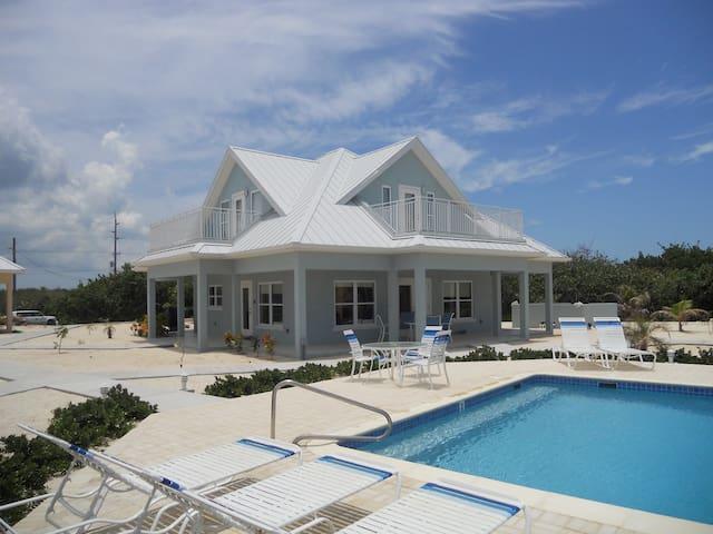 Ocean Paradise 3bd/3bath Beach View Home # 3 Blue - North Side - Villa