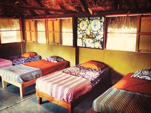 Dorm-style Cabaña By The Beach - Brisas de Zicatela - Yatakhane