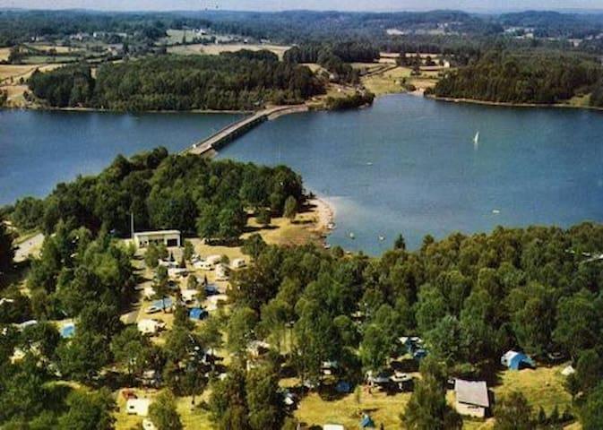 Emplacement privilégié sur  le lac - Neuvic - Huis