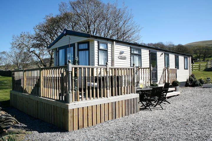 Luxury Farm Tranquil Snowdonia Leisure Home - Llanllechid - Chalet