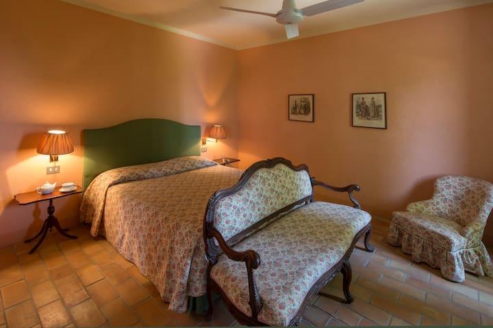 "Vacanze in campagna ""Suite"" - PINEROLO"