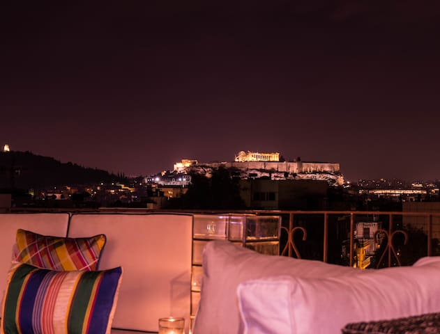 Top-floor 99 sq.with Acropolis View - Athina