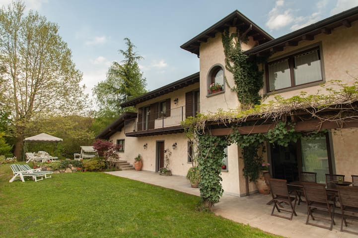 Countryside villa Lake Iseo - Pianico - Villa