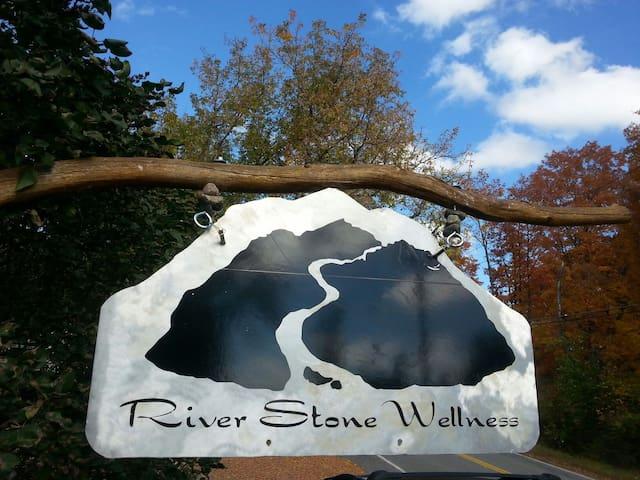 River Stone Retreat - Wilmington