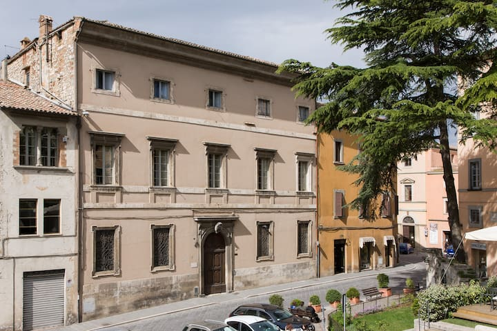 Historical building in Todi - Todi - Lägenhet