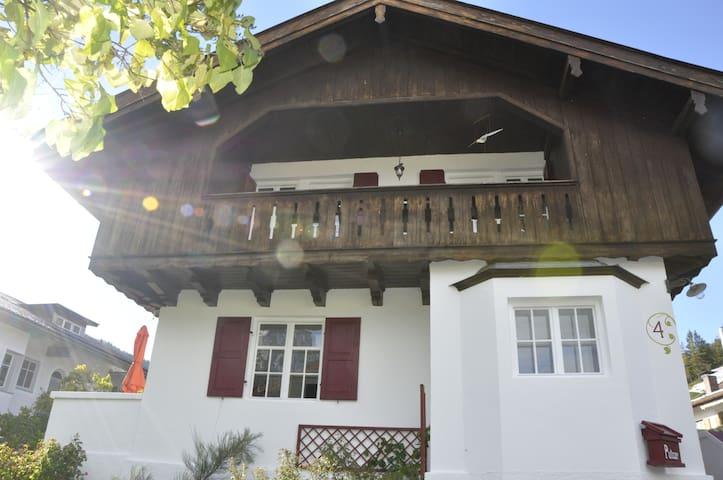 Die Zirbelnuss - Mittenwald - Casa