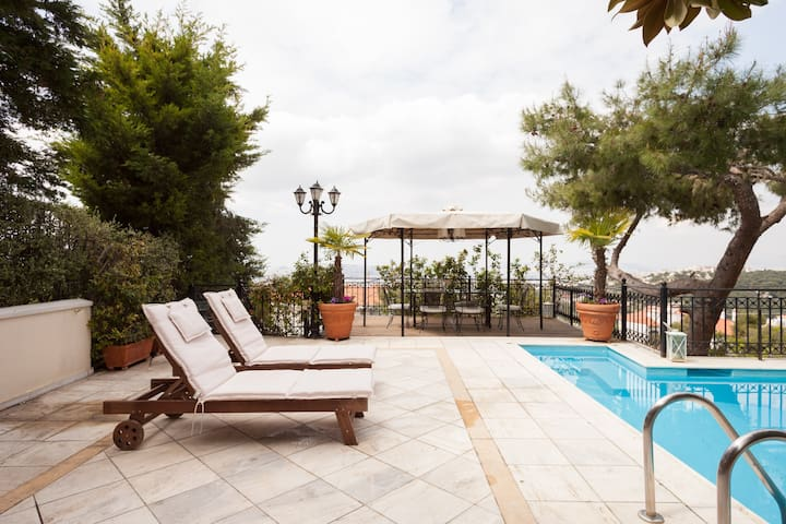 Luxurious apartment in Pendeli - Penteli - Bed & Breakfast