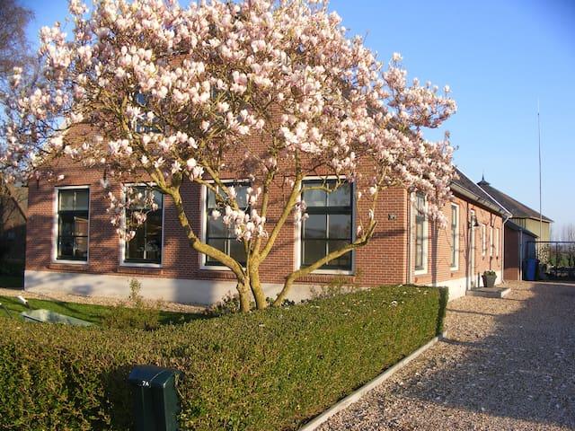 Spacious holiday home with garden. - Zegveld - Departamento