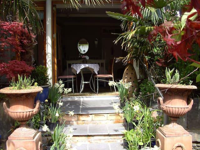 Unique Courtyard Garden Studio Apartment Cork - Glounthaune
