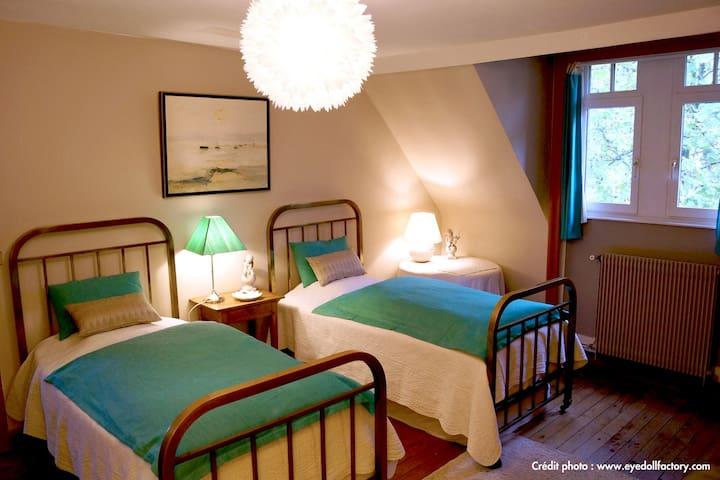 Chambre d hôtes - L Escaut - - Villeneuve-d'Ascq - Bed & Breakfast