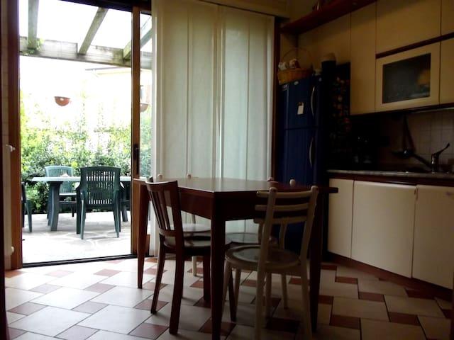 Mansarda condivisa, Nord Milano - Cusano Milanino - Dormitório