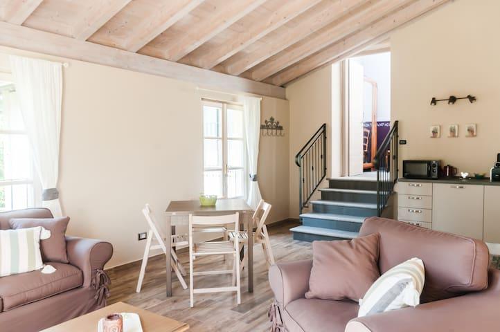"""""""IL PICCHIO MAGGIORE"""" - Apartment - Besozzo - Bed & Breakfast"""