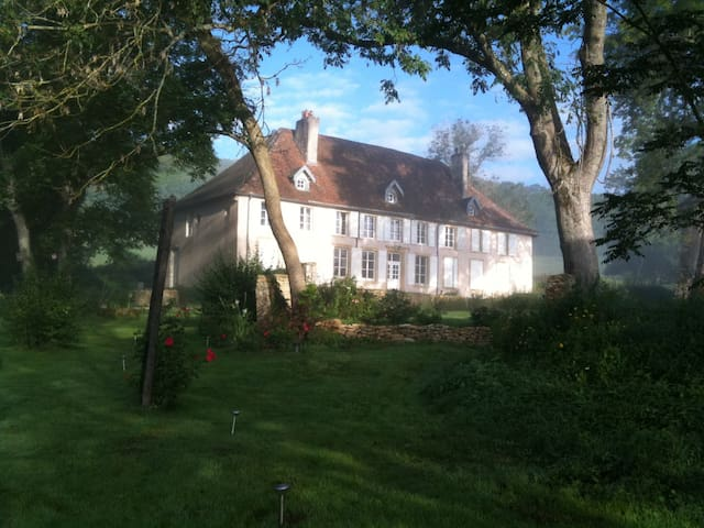 Room and tables d'hôte - Roncourt - Bed & Breakfast