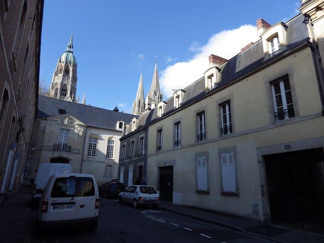 F2 centre historique de Bayeux - Bayeux - Lägenhet