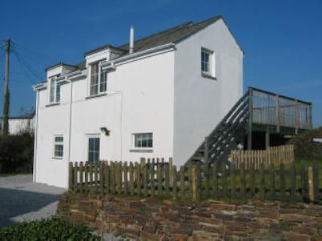 Arnold Cottage - Saint Merryn - Casa