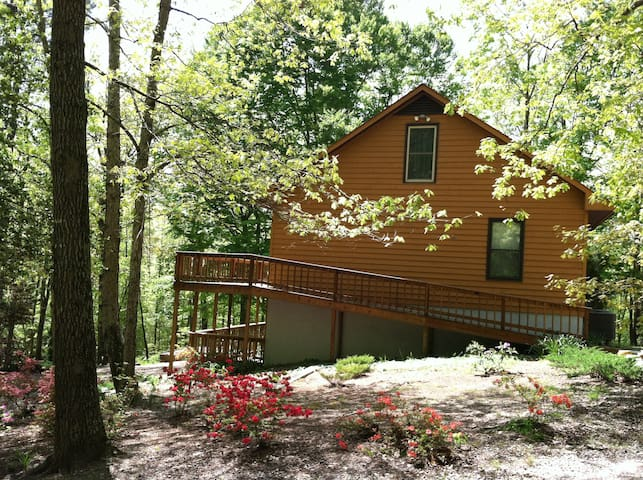 Private woodland home just off Rt60 - Lanexa - Hus