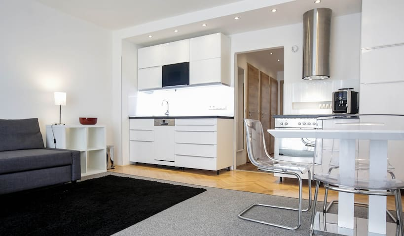 Nice apartment near Prague center - Praga - Appartamento
