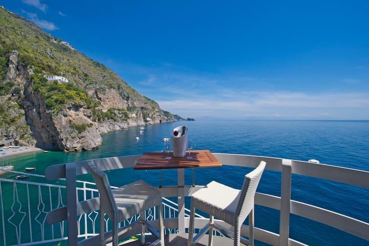 Romantic room on the sea of amalfi  - Praiano