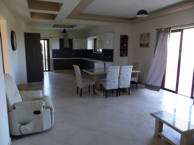 Villa Ikaros - Καλαμίτσι Αμυγδάλι - Huis