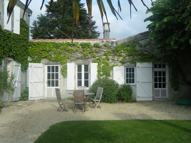 Logement à 15 mnts de La Rochelle - Bourgneuf