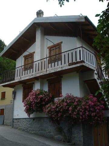 bilocale vista montagne - Limonetto frazione Limone Piemonte - Appartement