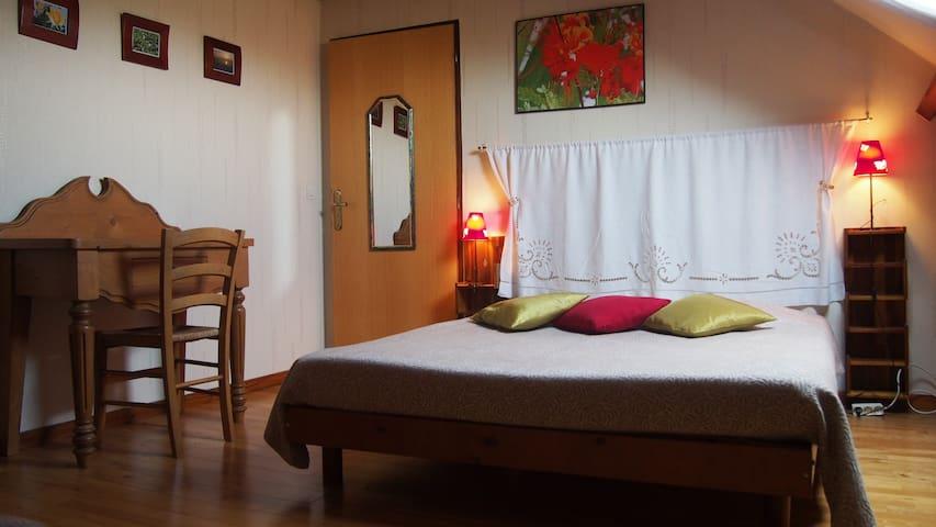 "le Bocage. Room ""Limousine"" - Sorbais - Bed & Breakfast"