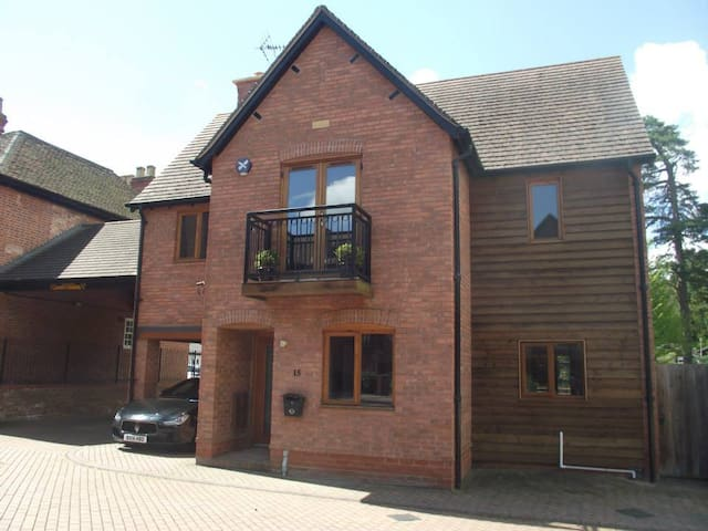 Luxury 5 Bed House NEC/ResortsWorld - Hampton in Arden - Rumah
