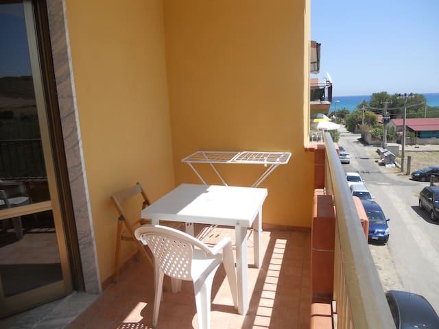 Apartment by the sea 2nd floor - Tronca