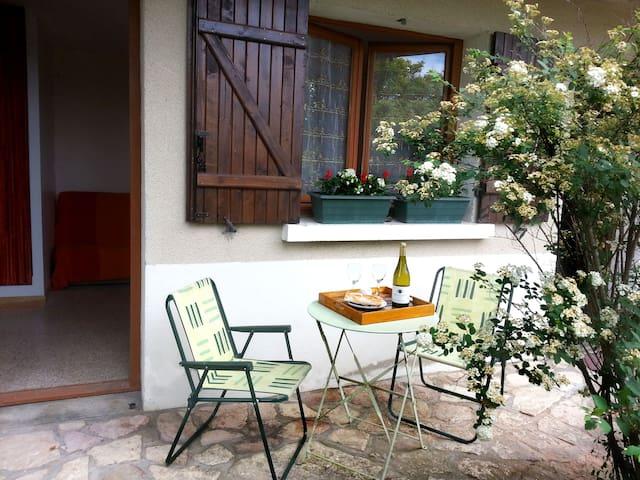 Petit STUDIO proche Taizé / Cluny - Cormatin - Ev
