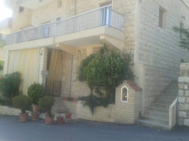 Beautiful apartment in beit meri - Beit meri - Hus