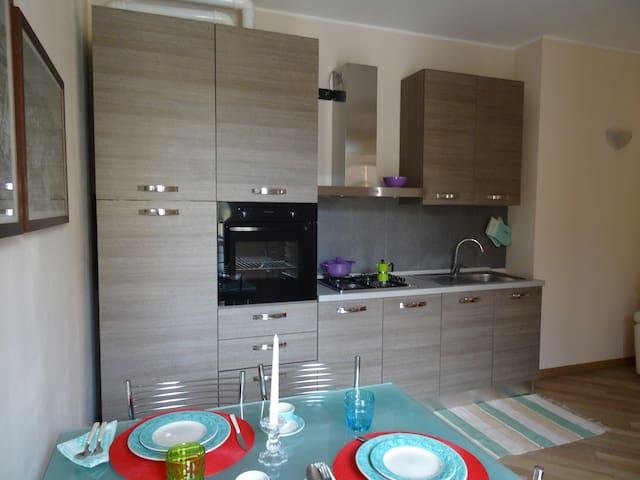 Apartment with parking space - WiFi - Cassina De' Pecchi