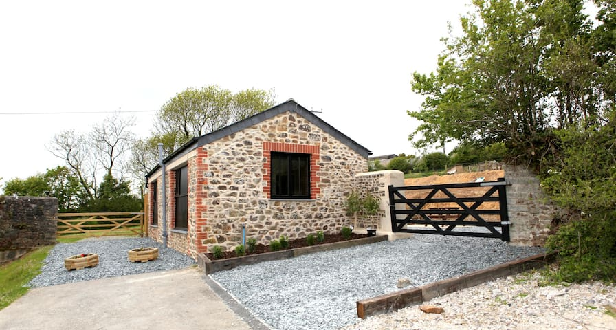 Detached 1 Bed Cow Barn - Bude