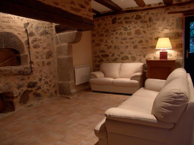 Maison en pierre du 18eme, piscine - Augignac - Huis