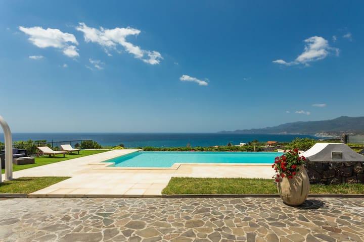 Appartamento in Villa con piscina. - Magomadas - Apartemen