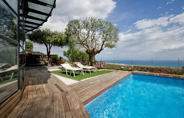 Grand Apartment with sea view. - Teià - Daire