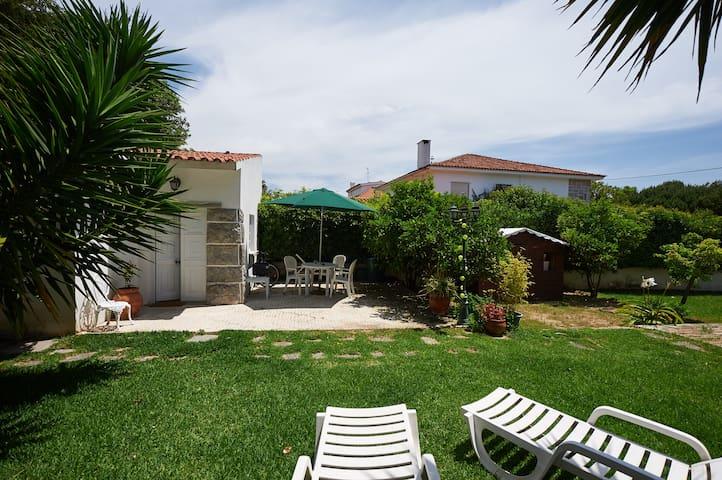 BEACH&GARDEN STUDIO in Estoril - Estoril - Casa